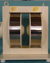 Wヨーク型電磁石